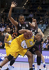 30. Ronald Burrell (EWE Baskets), 21. Dominique Archie (BC Timisoara)